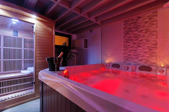 Romance Spa 4⭐️⭐️⭐️⭐️ Loft haut de gamme jacuzzi sauna