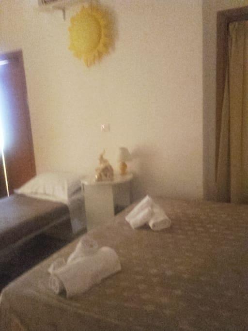 sette camere tutte con bagno privato e climatizzate dotate di Phon e biancheria