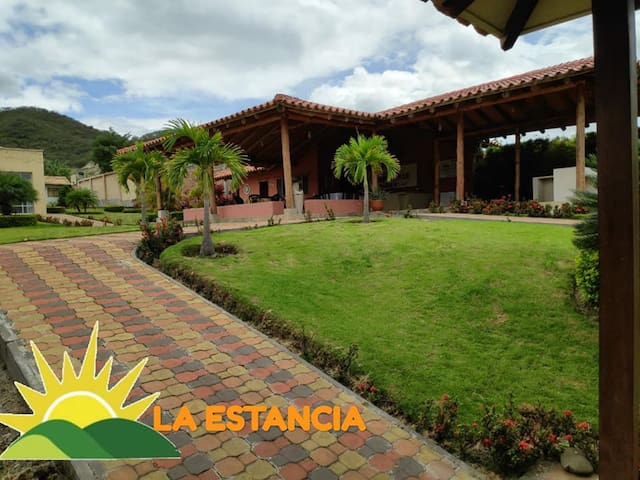 Hospedaje Suite6p +Piscina en Malacatos/Vilcabamba
