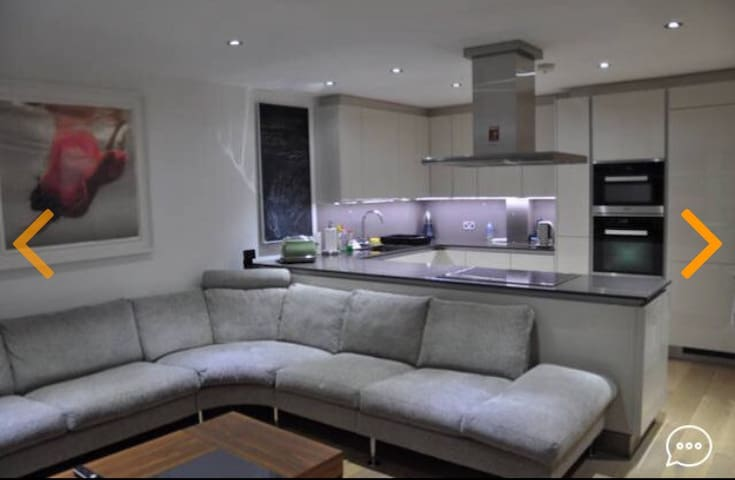 Luxury two bedroom two bathroom entire flat