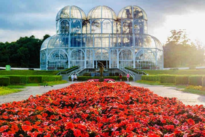 Casa próximo Jardim Botânico, FIEP e UFPR