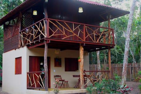 Casa na Floresta c/ ar e wi-fi  Comuni. Caranazal