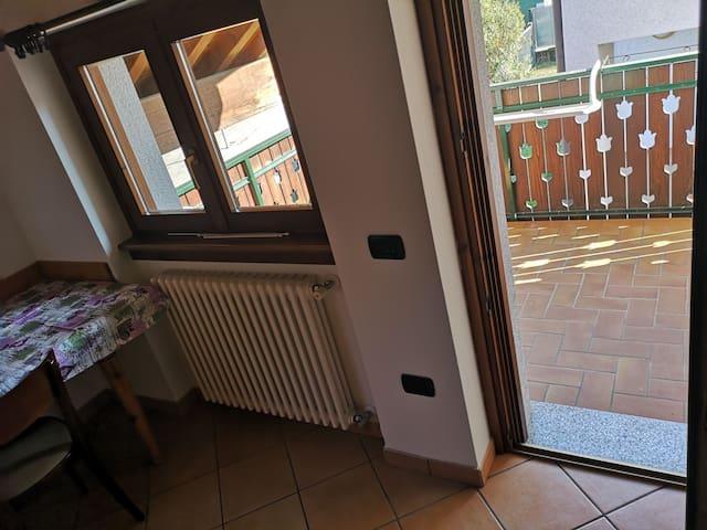 Balcone con uscita dalla cucina