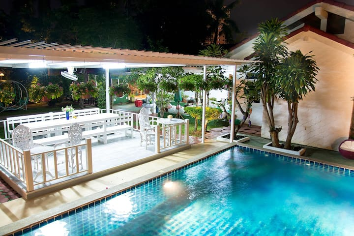 Grand AB Pool Villa / 7 bedrooms / private pool