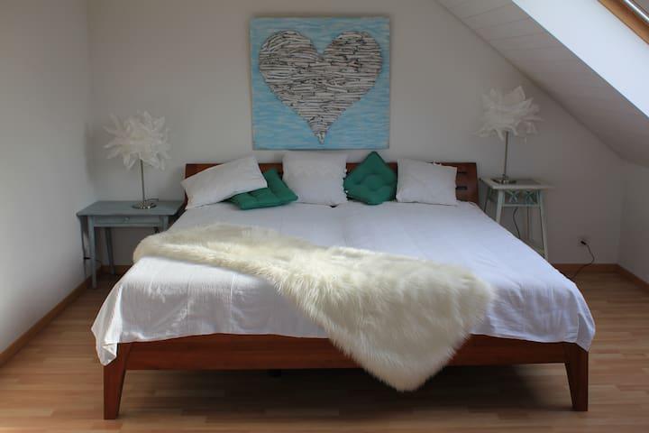Top Maisonette Zimmer mit Chillgeschoss TV - Bremgarten - House