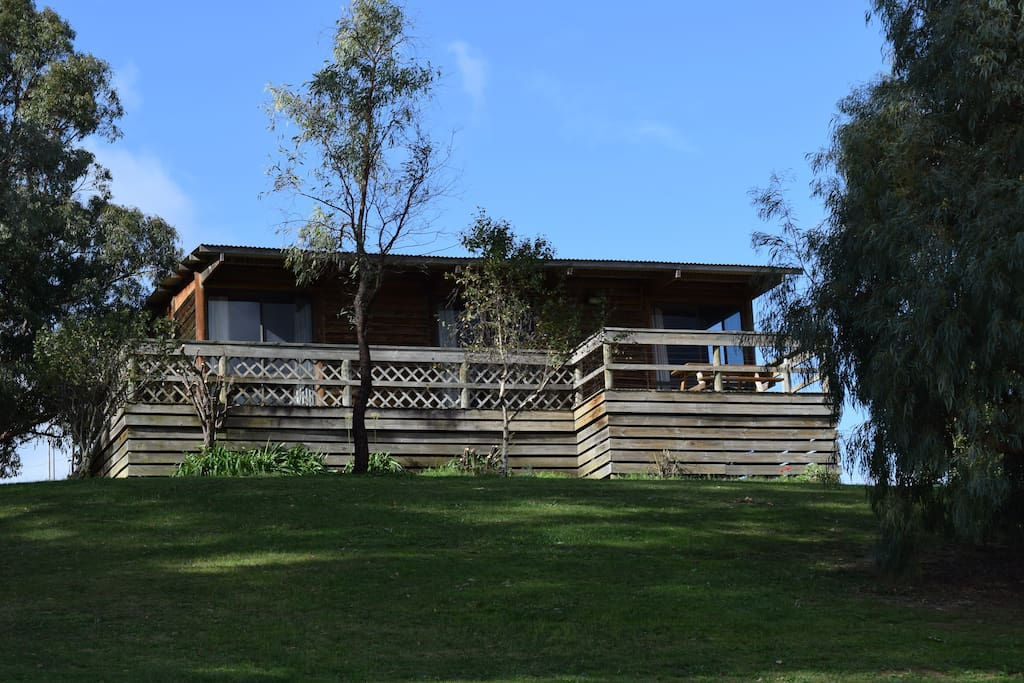 Buchan murrindal log cabin cabins for rent in buchan for Log cabins victoria