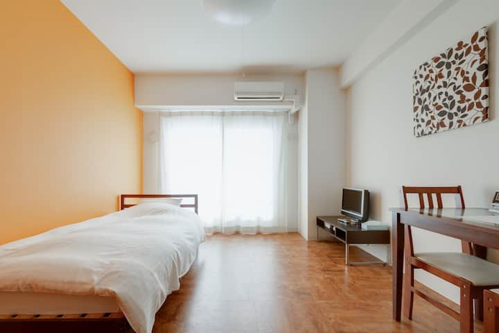 5 minutes walk from JR Nara! It is a clean room.
