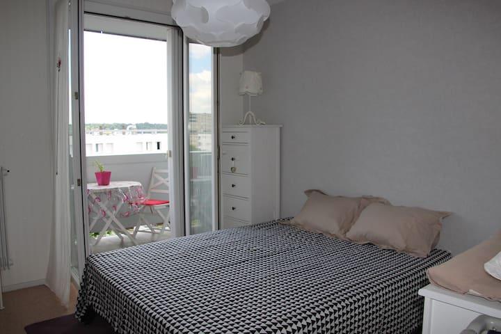 Grand Appartement T4, lumineux,calme avec balcons