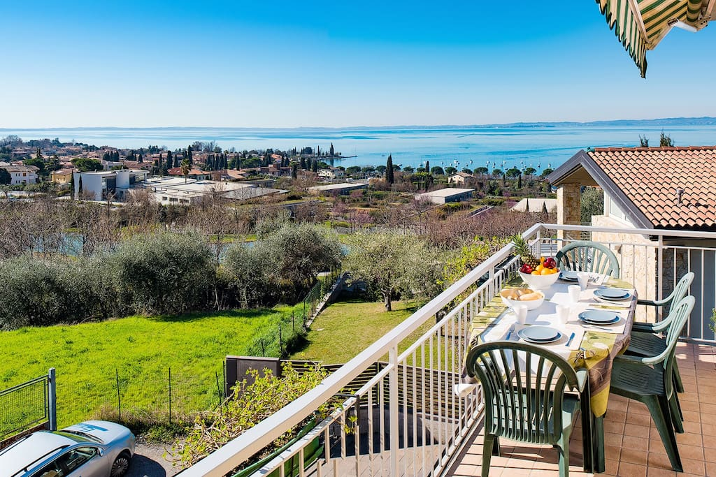 Relax con vista lago di garda appartamenti in affitto a for Appartamenti lago di garda affitto agosto