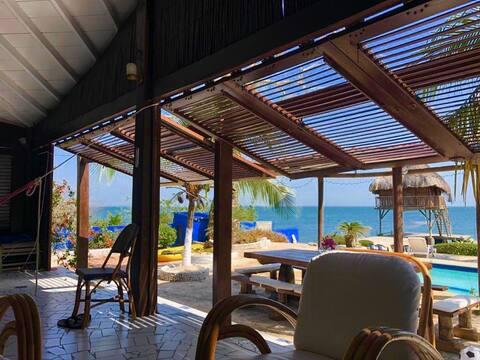 Isla privada Baru, piscina y muelle spa
