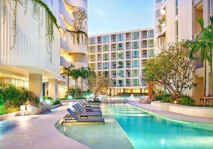 舒适泳池精品公寓/the Base Central Phuket Cozy Pool Condo