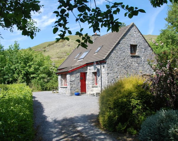 Waterfall Cottage, Quiet/Scenic Discover Connemara - Leenaun - Apartamento