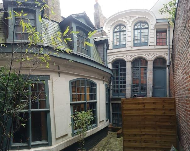 Joli Duplex dans un immeuble classé du Vieux-Lille