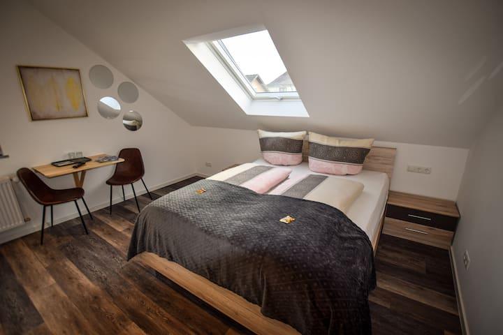 Zimmer,  modern,  Doppelzimmer