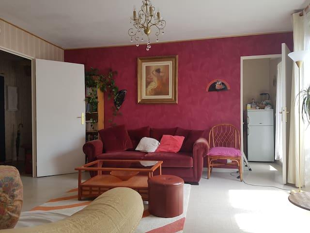 Chambre claire et agréable