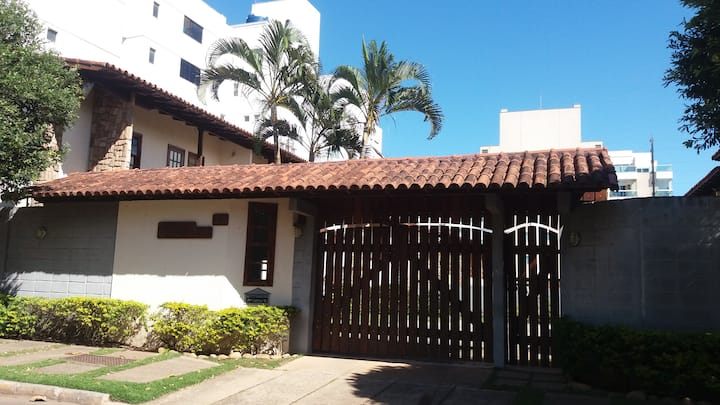 Casa na badalada Praia da Bacutia