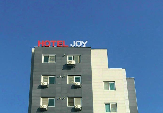 HOTEL JOY(Superior Room), Close to Camp Humphreys