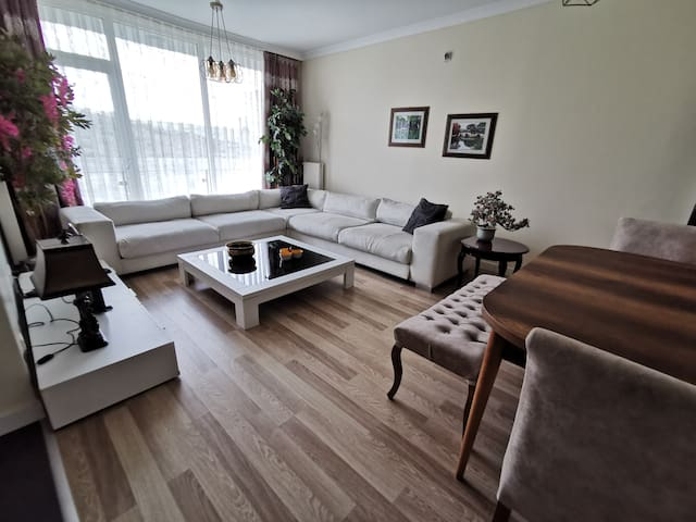 B5 Modern Themed Apartment in istanbul