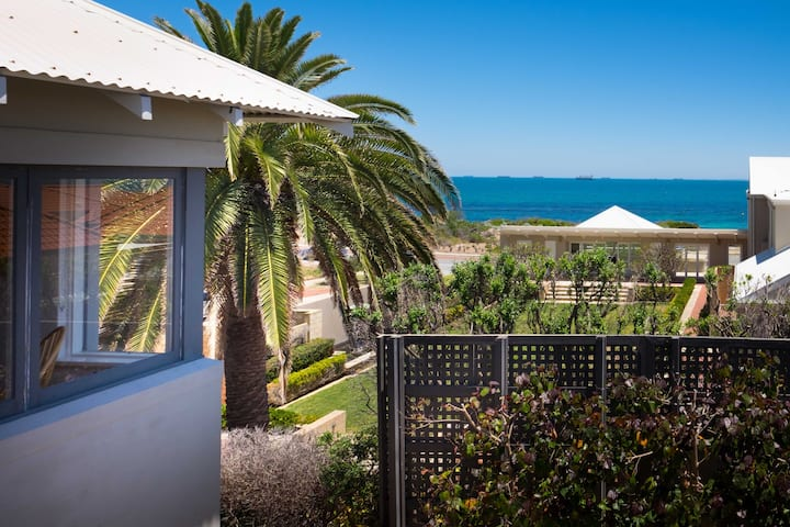 Cottesloe Executive Beach House EXECUTIVE ESCAPES
