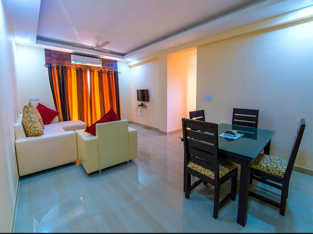 2BHK Comfort B&B apartment near Airport with Pool