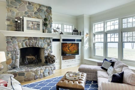 Classic Lake Minnetonka Retreat - Wayzata - บ้าน