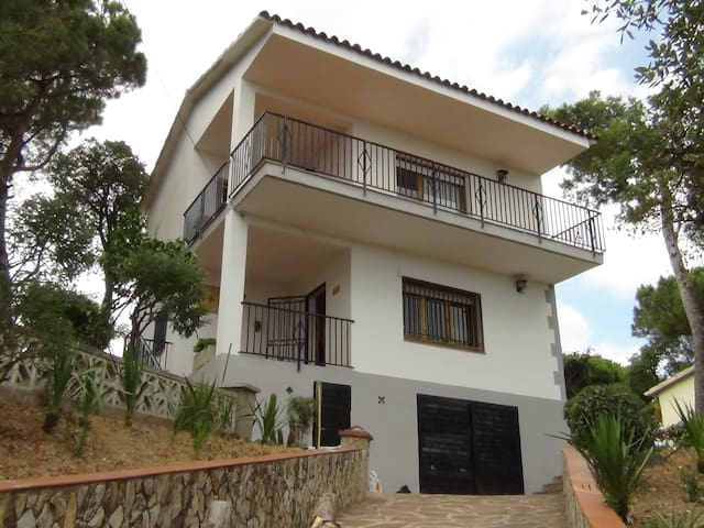 Entire Holiday cottage 3 bedrooms Blanes Lloret