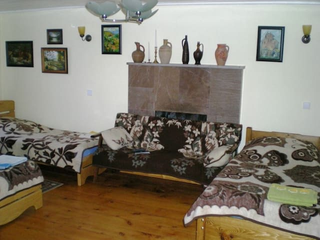 BED SPACE IN QUADRUPLE ROOM IN CENTER LAGODEKHI