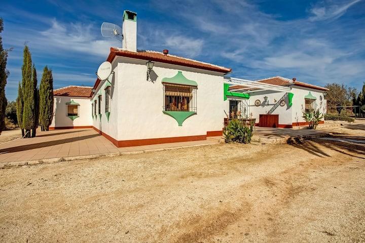 Bella casa vacanze a Pedrera con piscina privata