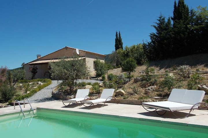 Beautiful spacious villa in Drôme, with private pool and stunning view