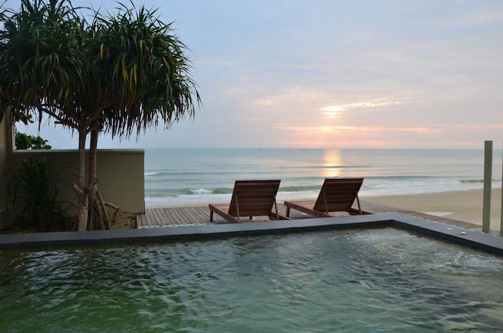 Wis Khanom Beach Front Romantic Villa