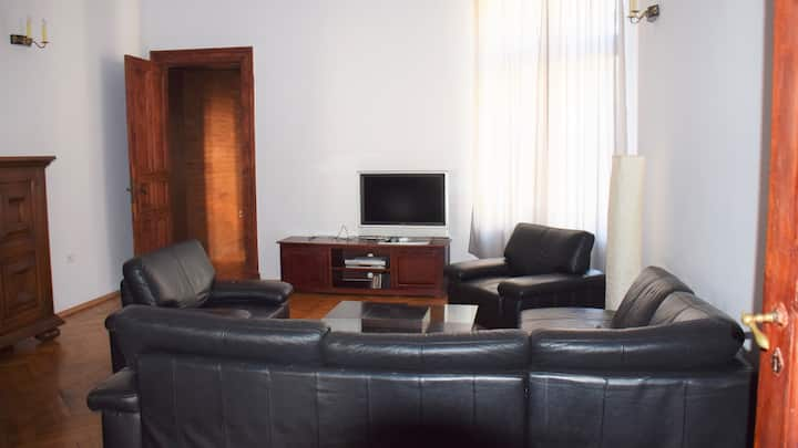 Apartment in Lodz Center  170m2 + Parking + WiFi