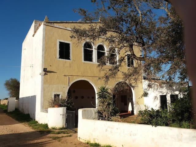 FANTASTIC RURAL HOUSE SPACIOUS AND VERY LUMINOUS - Ciutadella de Menorca - Huis