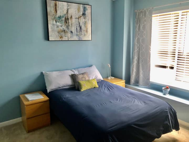 Private Bedroom/Bath in Cute & Quiet Townhome