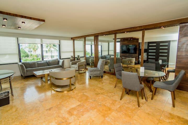 Exclusive Oceanfront Condo, Kitchen & Balcony