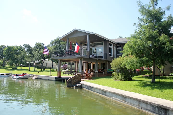 Private Cove with a view of open water on Lake LBJ
