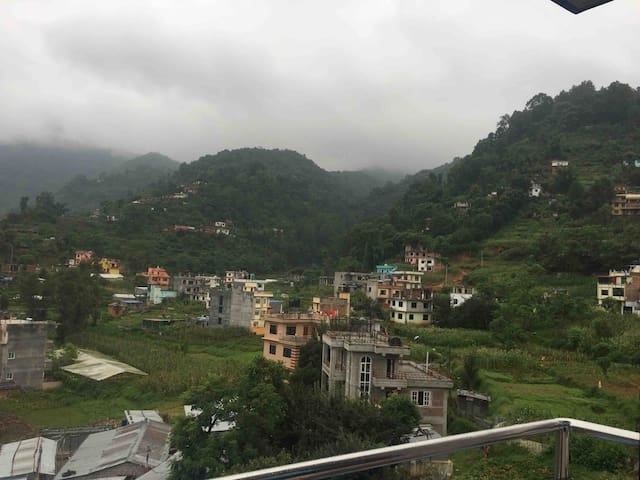 Chill hill, good view , peace, 4km from thamel
