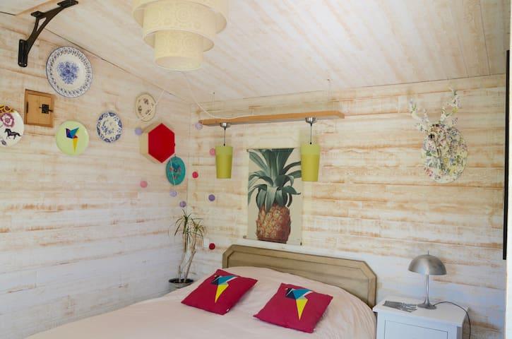Cabane moderne dans le Luberon