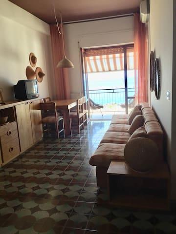Bellissimo appartamento vista mare