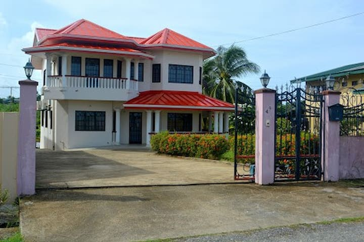 Southern Seaside Villa- Annex - San Fernando