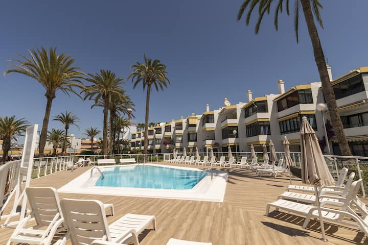 San Agustin apartment pool and terrace by Lightbooking