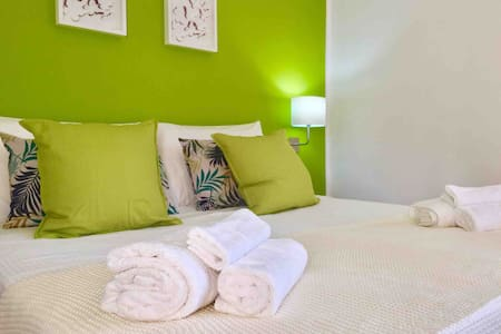 Color House-Holiday Apartment near Cefalú &Palermo