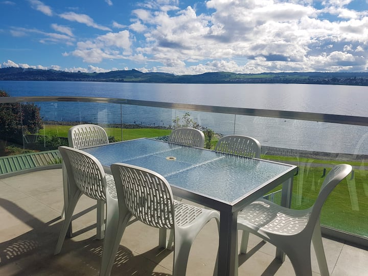 *Discounted Rate* Lakefront Apartment Waimahana 8