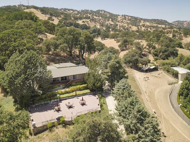 Yin Ranch Hill House/Napa like Vineyard  for 19
