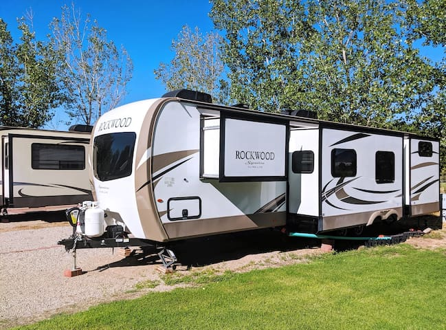 Outdoor Glamping : Rockwood RV OK63