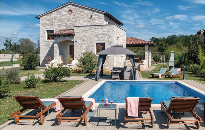 Amazing home in Dobravci with WiFi and 4 Bedrooms