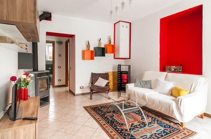 Comfortable 3-room apartment with private parking