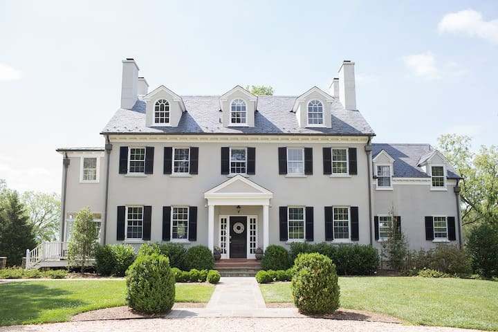 Mortgage Hall Estate on 120 acres - Middleburg