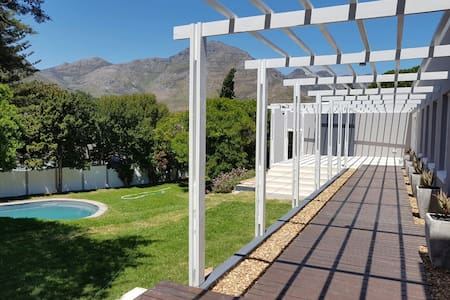 Private Cottage with amazing views - Cape Town - Rumah