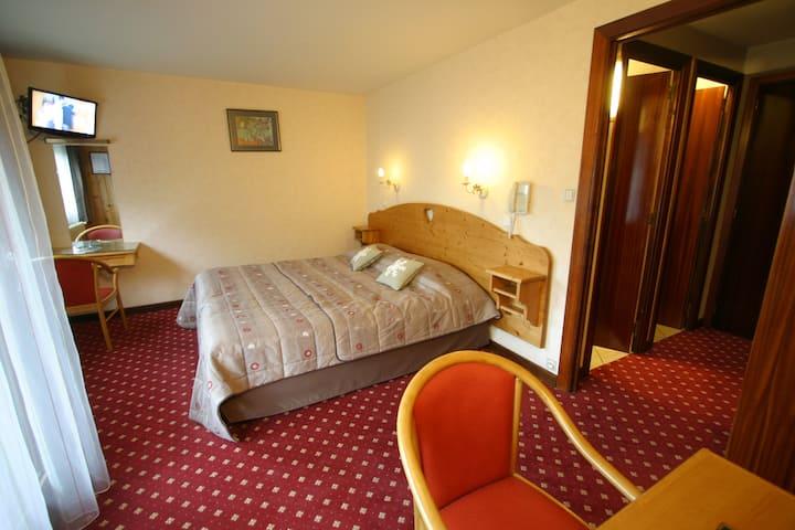 Chambre pour 2 personnes, double ou lits jumeaux
