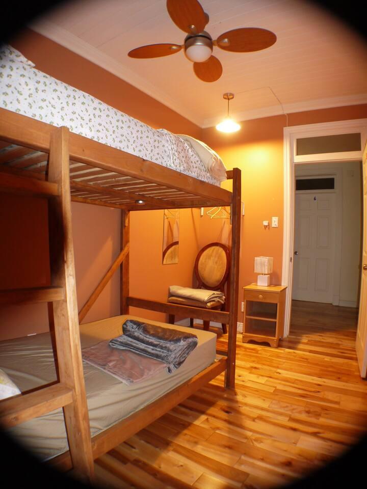 Chambre privé, Belle Auberge, Près de Quebec (A5)